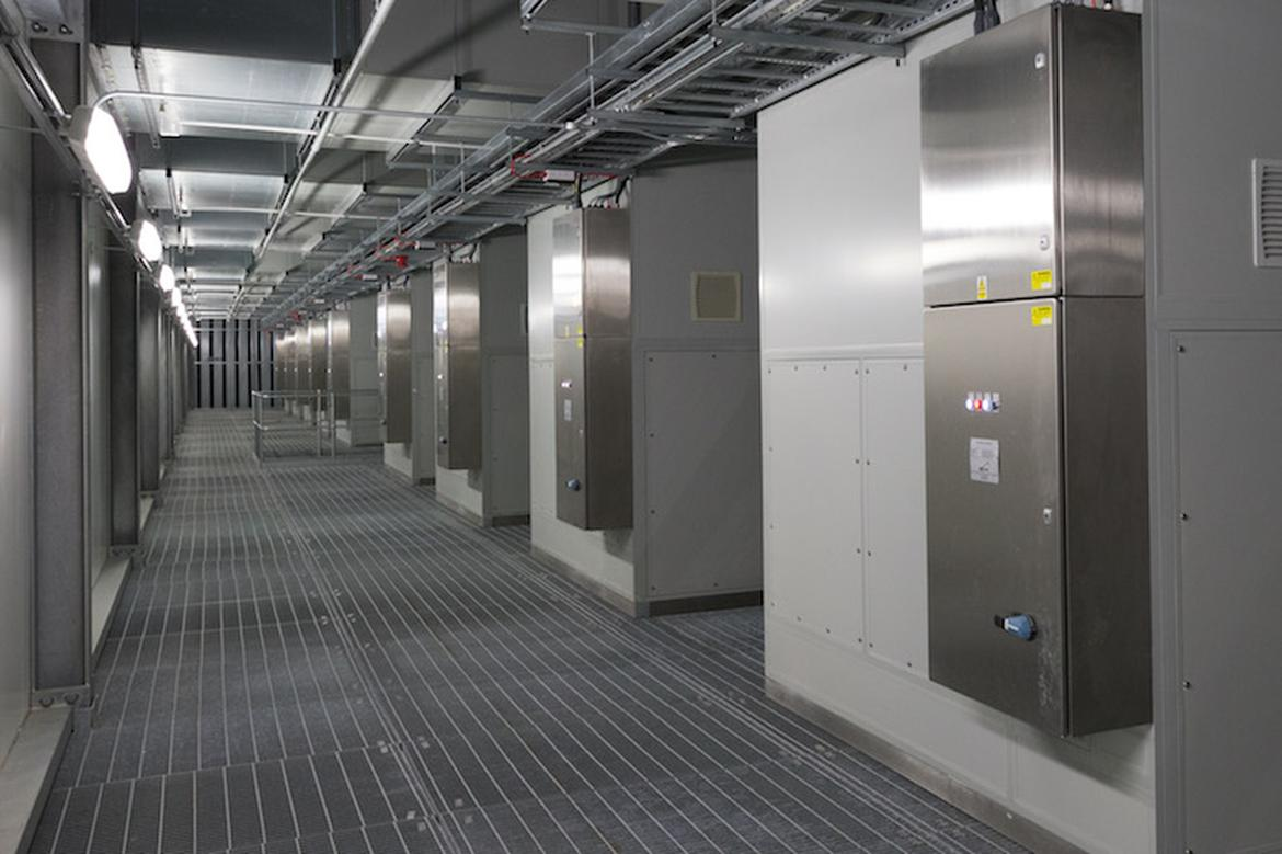 inside-europe-most-advanced-datacenter_11