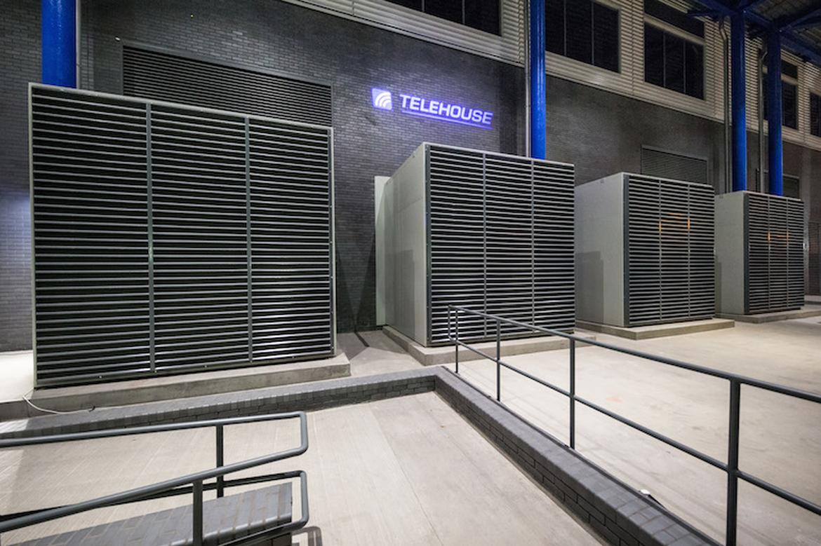 inside-europe-most-advanced-datacenter_12